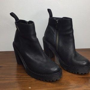 Dr. Martens Leather Black Boots Sz 6